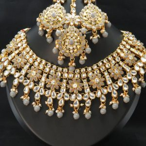 Indian party /bridal kundan necklace set with Earrings & tikka