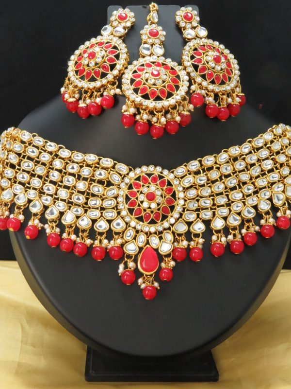 Indian bridal Kundan choker set with earnings and tikka
