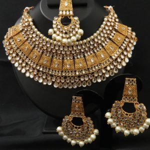 Indian party/bridal kundan necklace set with Earrings & tikka